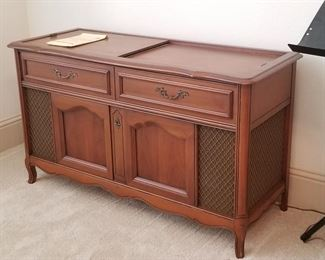 Great Vintage Magnavox stereo console