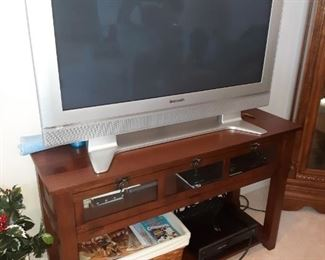 Flat screen TV console