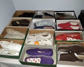 Womens shoes, grass hoppers +++ 9.5 to 10