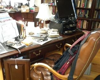 BEAUTIFUL DESK AND LEATHER CHAIR