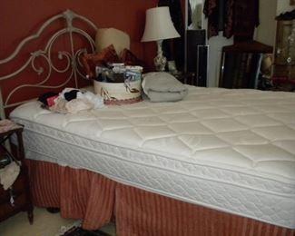 SLEEP NUMBER QUEEN BED