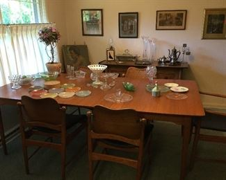 Fabulous mid-century Lane Furniture teak dining table with 6 swivel-back chairs