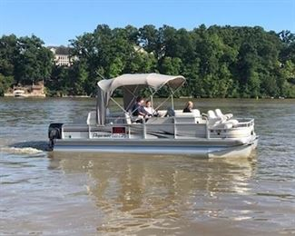 Pontoon boat fishing boat