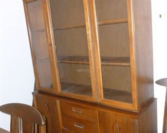 Cool mid-century china cabinet (2 pieces w/buffet & china hutch on top)