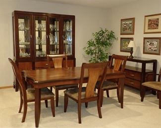 DINING SET / CHINA HUTCH / BUFFET / TABLE &  6 CHAIRS & LEAVES