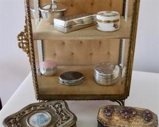 Various accessories and dresser articles of superior quality and craftsmanship