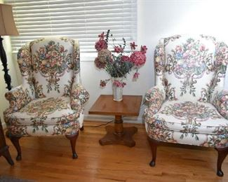 WINGBACK CHAIR, SIDE TABLE, FLOOR LAMP, FLORAL
