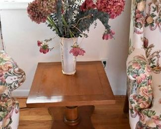 SIDE TABLE, FLORAL