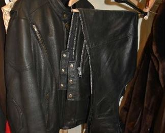LEATHER RIDING JACKET & CHAPS