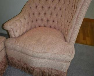 UNIQUE UPHOLSTERED CHAIR