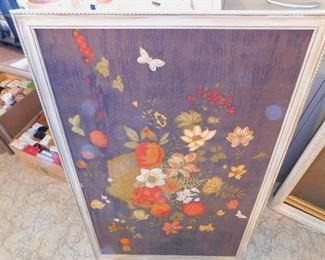 Many pieces of vintage Art
