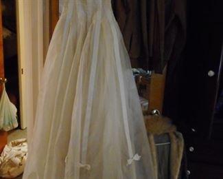 Vintage 1950 Wedding Dresss