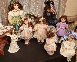 Many dolls of all types