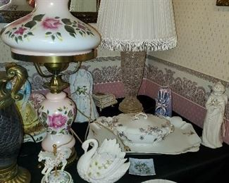 Many different types of lamps