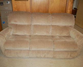 LZB recliner/sofa - electrical