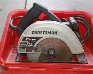 """Craftsman 2.25 amp 7.25"""" circular saw (practically new in the case)"""