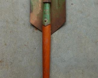 Romanian WWII trench shovel