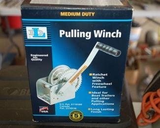 Pulling winch