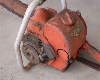 Vintage Homelite EZ-6 chainsaw