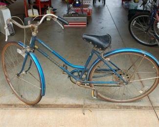 Schwinn Suburban Women's Bike - 5 speed