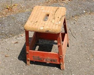 Hirsch step stool