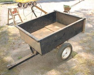 Towable yard cart/dumpster