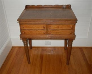 Beautiful antique desk  with ink well, 4 drawer, opening top