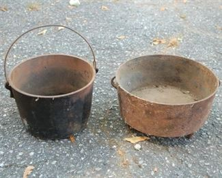 Cast iron kettle and Dutch oven