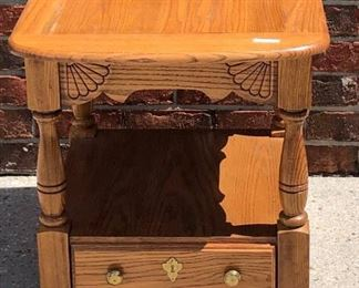 BR0116 Blond End Table # 2  Local Pickup https://www.ebay.com/itm/113848496373