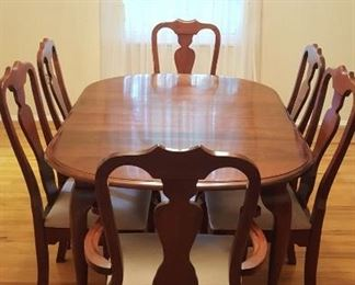 DINING ROOM SUITE: TABLE AND 6 CHAIRS