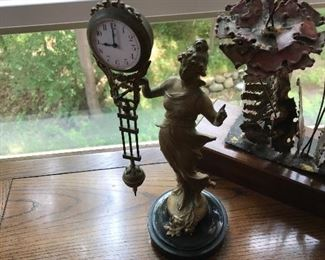 ANTIQUE SHELF/MANTEL CLOCK