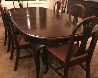 Dinning Room Table Lg /  Shows with 2 leaves in & 6 matching Chairs