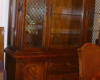 CHINA CABINET TO DINING SET