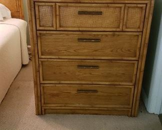 Lea bedroom chest
