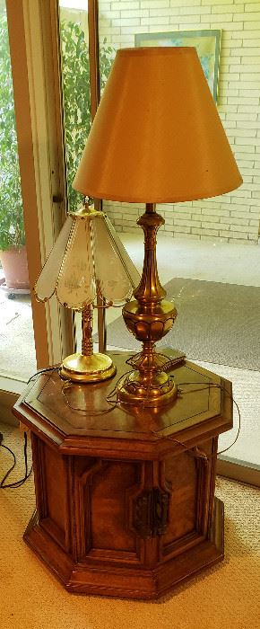 octagon wood  table, lamps
