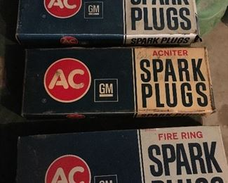 R45 and 44XLS spark plugs gently used