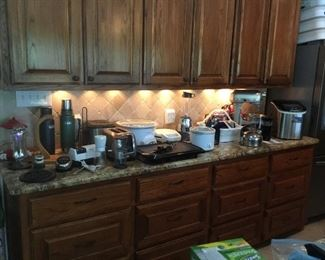 Various Kitchen Appliances