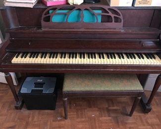Hamlin Piano & Bench