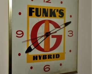 """RARE""VINTAGE FUNK'S HYBRID CORN PAM WALL CLOCK EXCELLENT CONDITION WORKS GREAT"