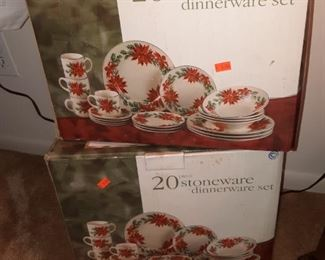 20 Piece Holiday Stoneware Dinnerware Set