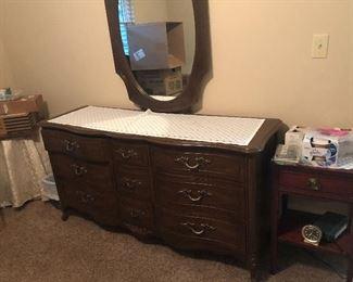 Discu dresser