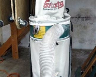 Grizzly Industrial Dust Collector, Model #G1029Z2, 220 Volt Includes Flexible Hose, Powers On And Runs