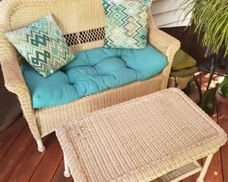Loveseat and coffee table of wicker set