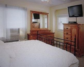 Huffman Koos Bedroom Suite
