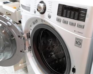 LG TrueBalance Direct Drive Front Load Washer and LG Dryer True Steam Sensor Drive 2 years old like new gently used!