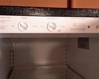 Kenmore side by side fridge, very clean!