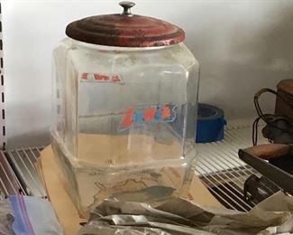 Lance jar with matching lid