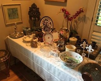 Beautiful items to decorate, vintage and new.