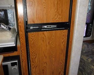 Large Fridge/ freezer