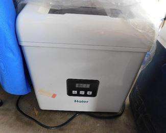 Haier Ice maker